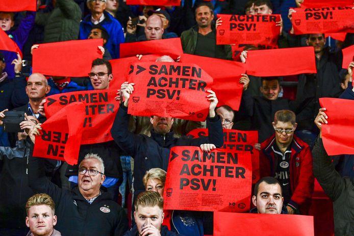 PSV-supporters kunnen hun club weer een keer per week in actie zien op trainingscomplex De Herdgang.