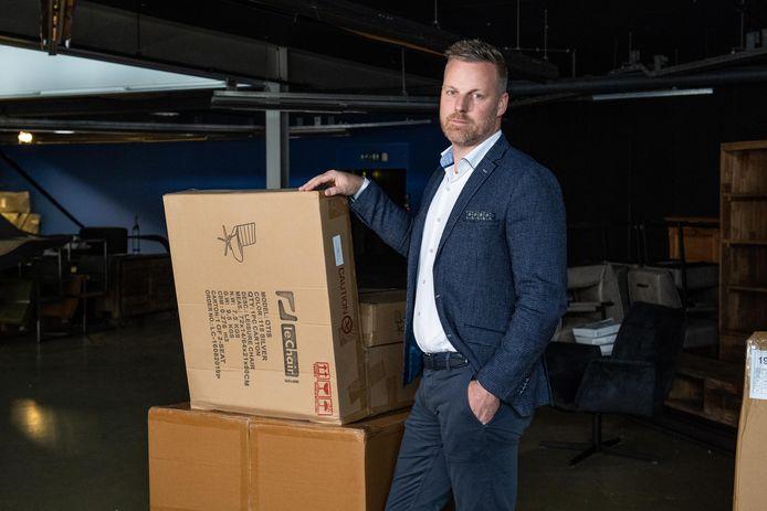 """Joost Tiemersma slaakt namens de Winkeliersvereniging Woonplein Enschede een noodkreet én komt met een plan. """"Burgers krijgen op deze manier meer vrijheid en je redt het mkb."""""""