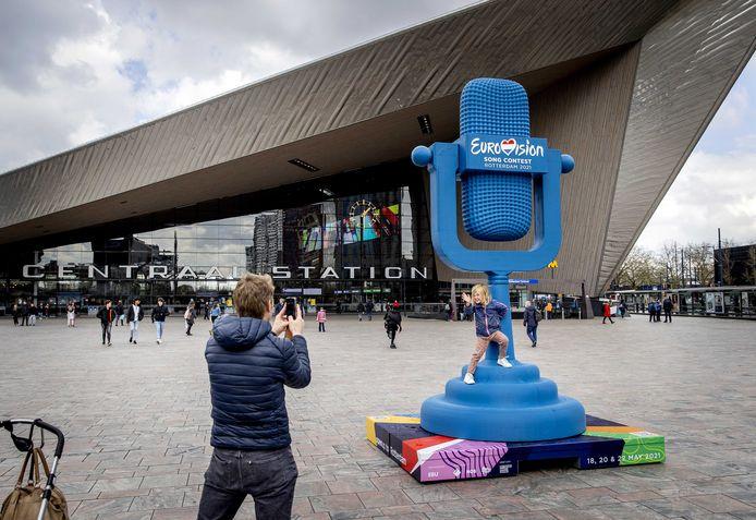 Met een Eurovisie-trofee van plastic afval presenteert Rotterdam zich als recyclehoofdstad. De praktijk blijkt weerbarstiger.
