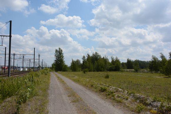 De groep endurorijders werd tegengehouden in de bufferzone tussen de spoorweg en het natuurgebied.