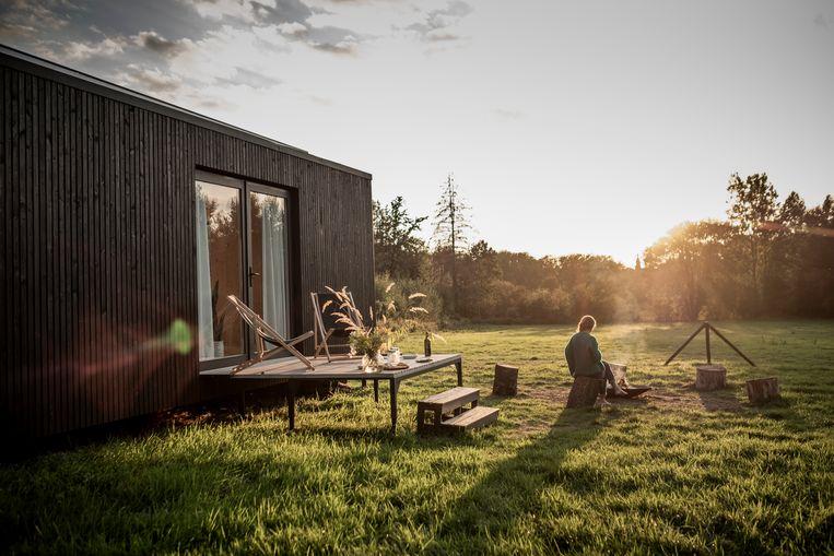 Een sfeerbeeld van een Slow Cabin langs de buitenkant.