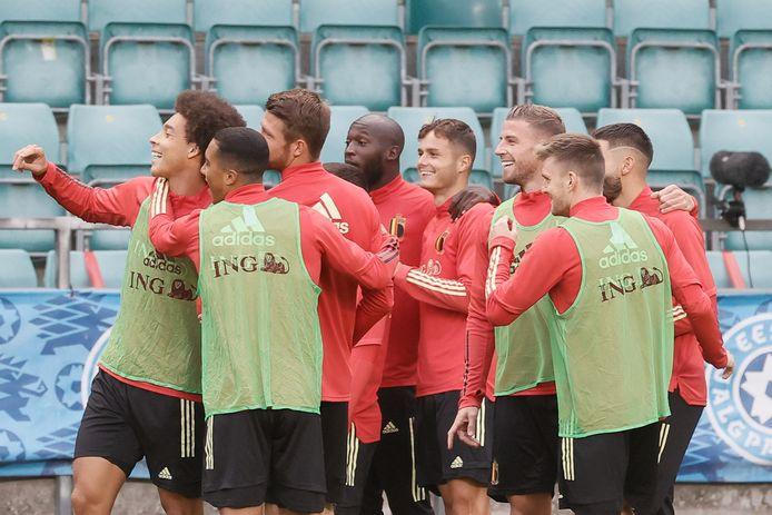 Zinho Vanheusden centraal op de foto. U ziet de verdediger straks graag starten.