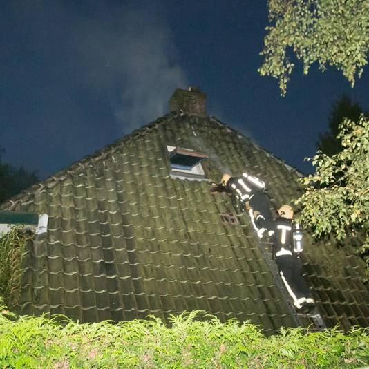 De eerste, kleine, brand, in de schoorsteen van het huis van Eric Visser.