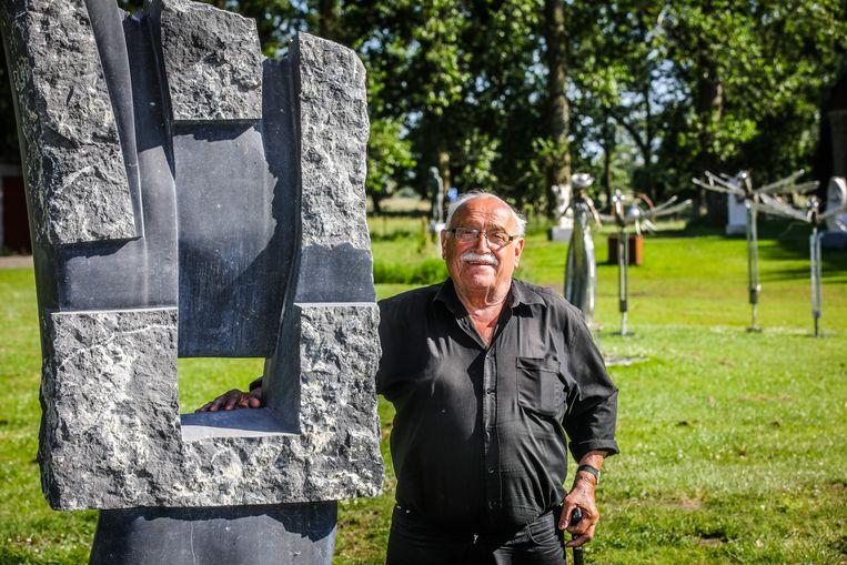 Gratien Dendooven (81), organisator van de Beeldenroute.