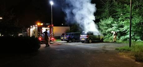 Auto verwoest door brand in Ede