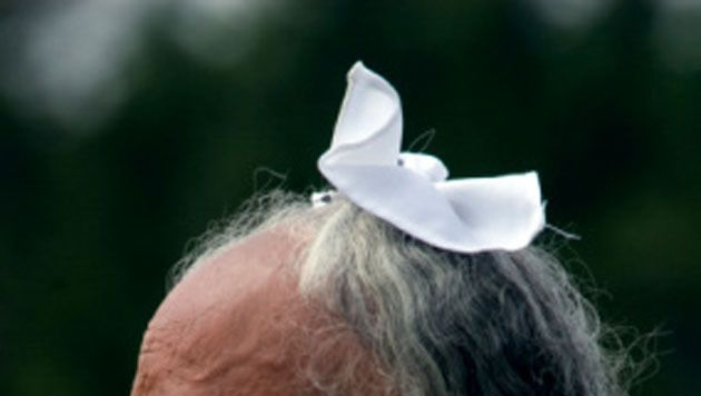 De jonge sikh droeg een soortgelijke patka (foto), een wit hoofddoekje.