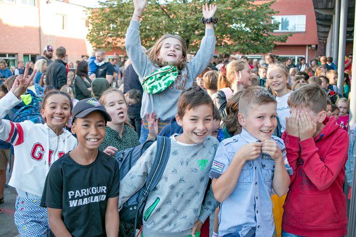 De eerste schooldag voor Basisschool OLV Ten Bos in Nieuwkerken.