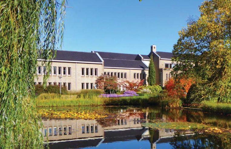 Het hoofdkantoor van de Jehovah's Getuigen in Emmen. Beeld Folder Jehovah's Getuigen Nederland