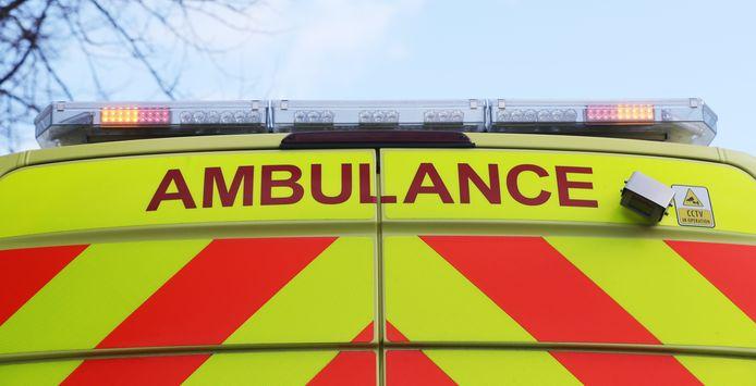 Twee wielertoeristen werden overgebracht naar het ziekenhuis na de aanrijding op de Tiensesteenweg in Sint-Truiden.