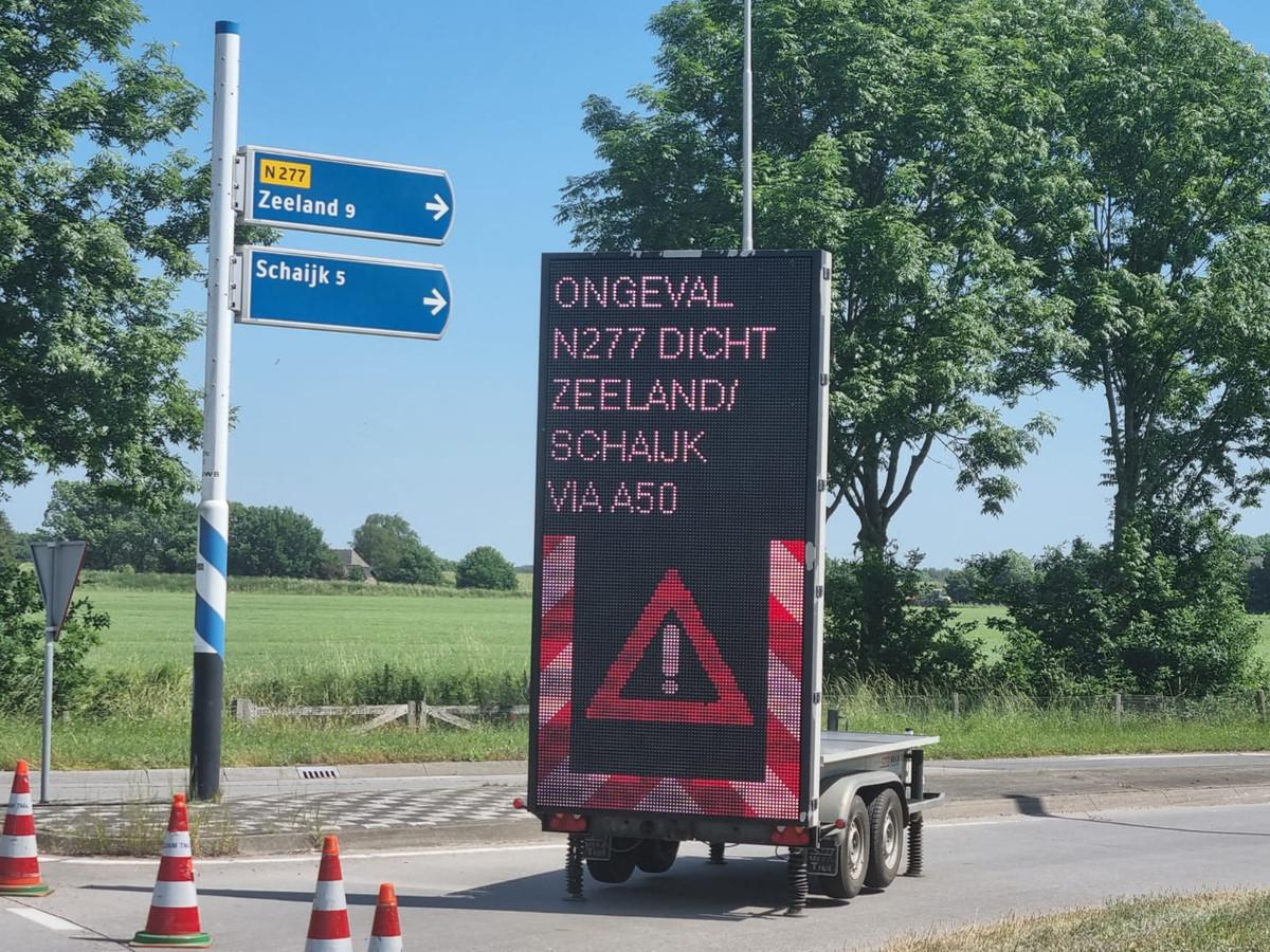 De Dorpenweg (N277) is afgesloten.