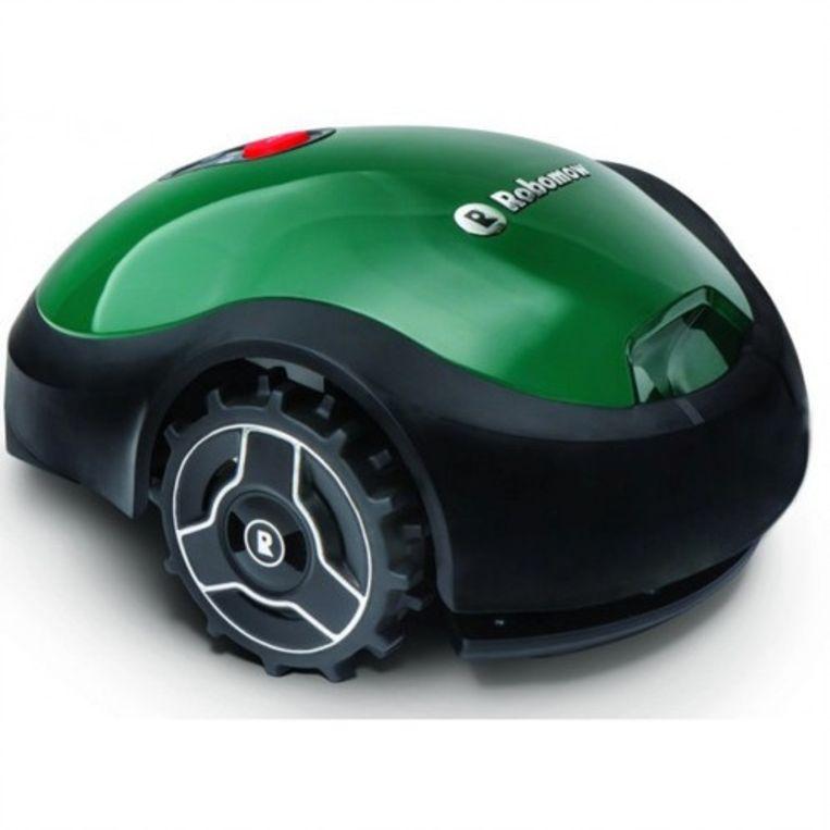 Bij het grasmaaien kun je het jezelf makkelijk maken via een robot.