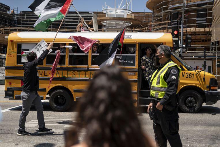 Protest bij Israëlisch consulaat in Los Angeles om Palestijnen te steunen. Beeld Anadolu Agency /Getty Images