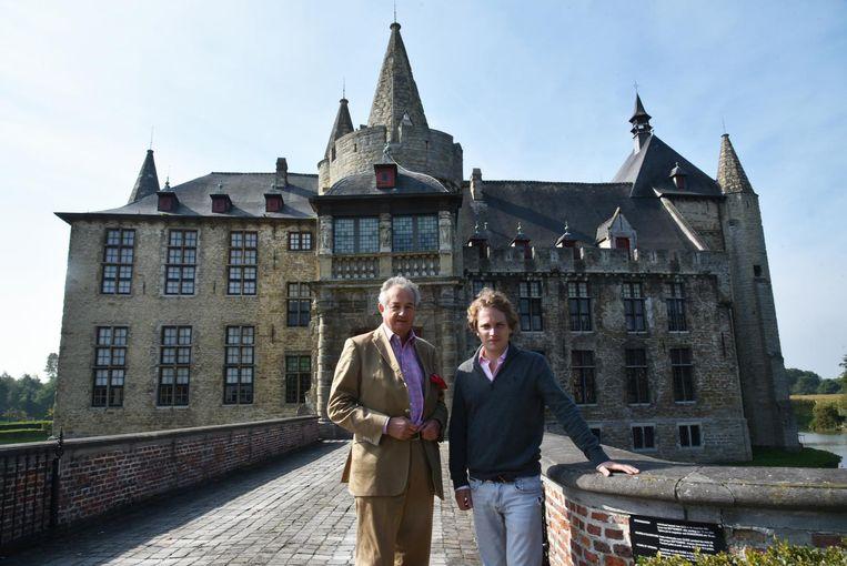 Ghislain d'Ursel en Simon de Merode aan het kasteel van Laarne.