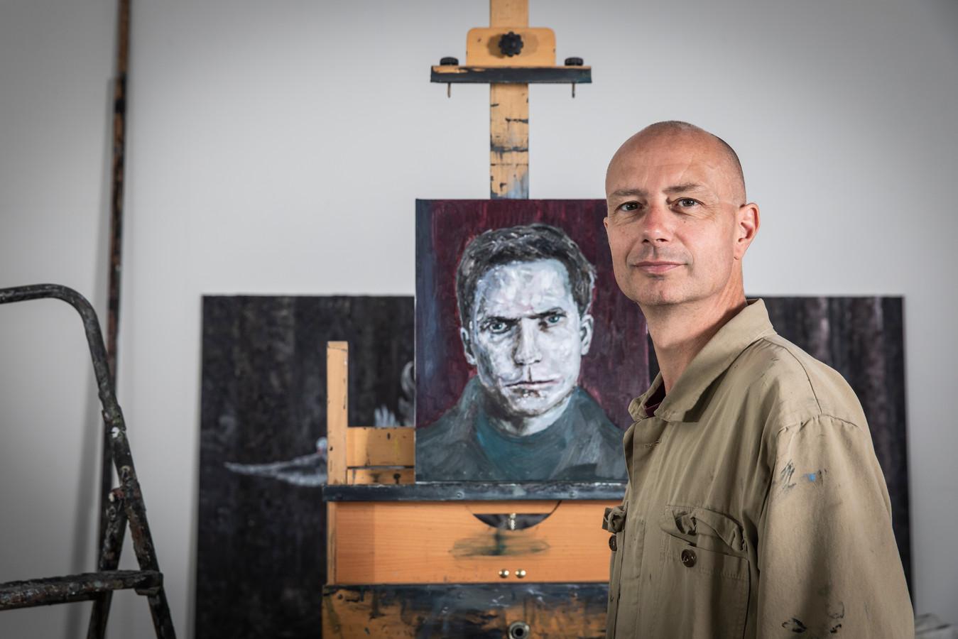 Ronald Ophuis in zijn Amsterdamse atelier.