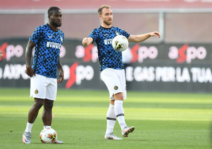 Moses naast Christian Eriksen bij Inter.