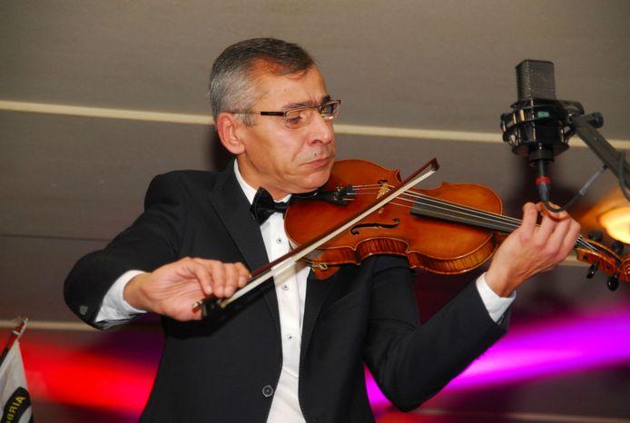 Violist Babash Azeri.
