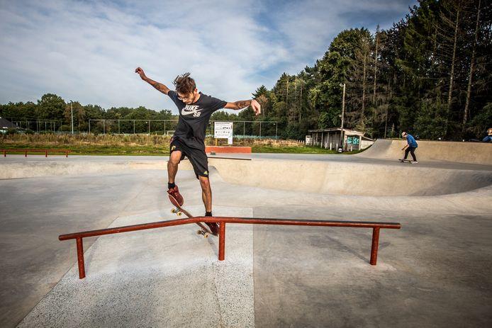 Enkele Heusdense skaters hebben het nieuwe Skatepark Vrijheid alvast goedgekeurd.