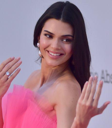 Modemerk eist 1,5 miljoen euro van Kendall Jenner na missen fotoshoot