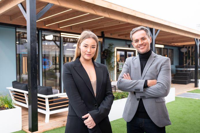 Presentatoren Geraldine Kemper en Peter Van de Veire.