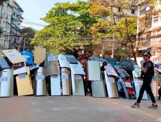Manifestanten blokkeren grote wegen in Myanmar
