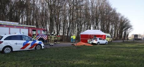 Fietsster (18) uit Cuijk komt onder auto terecht en overlijdt