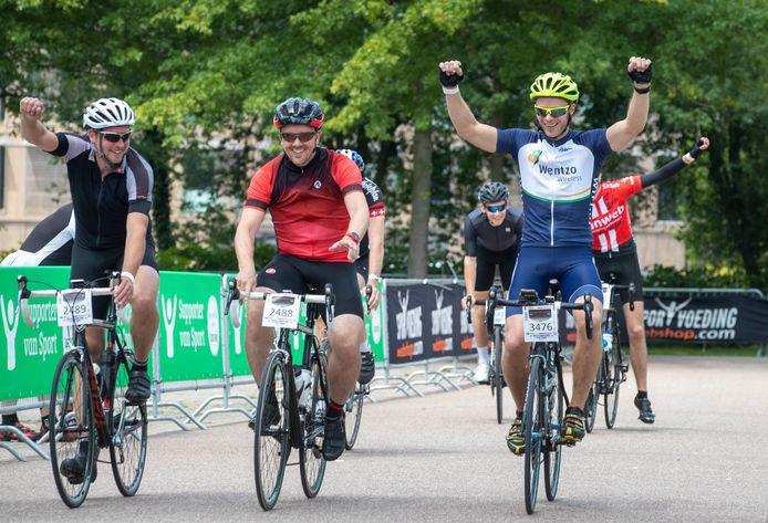 Deelnemers aan de Jan Janssen Classic in 2019 zijn blij dat ze de tocht hebben volbracht.