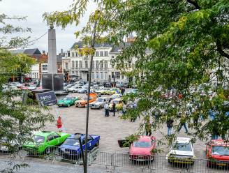 Belgian Westhoek Classic start op de Grote Markt van Ronse, 200 juweeltjes te bewonderen in oldtimerrally met internationale uitstraling