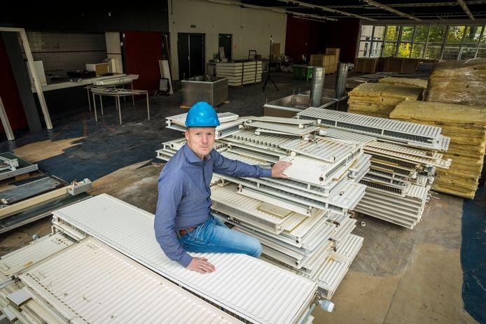 Directeur Gerd-Jan Jongerman van Lagemaat bij de Noordgouw in Hattem, die ook circulair wordt gesloopt.