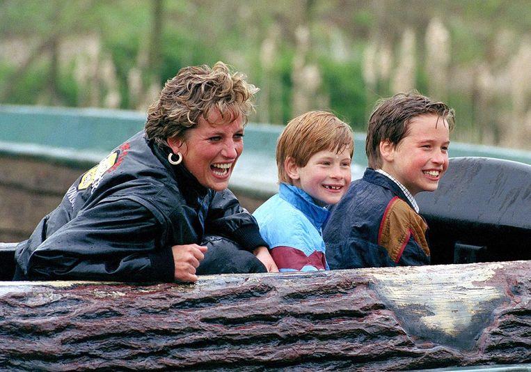 Waterattracties zijn favoriet bij Diana, Harry en William. Beeld UK Press via Getty Images