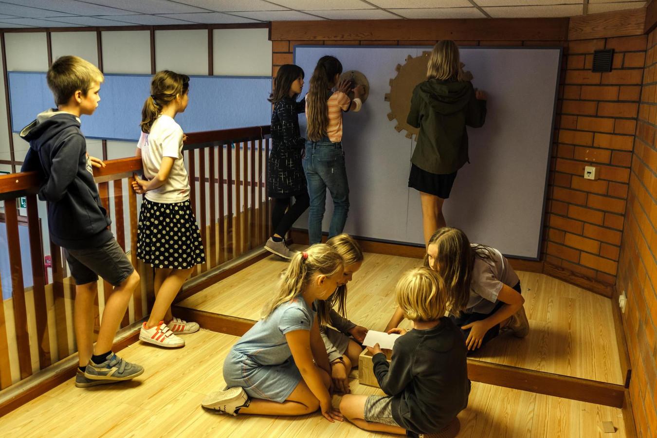 In de Jan Frans Willemsschool hebben de leerlingen van het vijfde leerjaar zelf enkele escape rooms gebouwd.