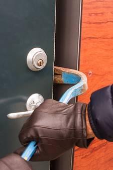 Politie zoekt inbrekers thuis op in Harmelen na braakgolf
