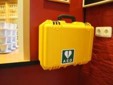 'Ook mensen zonder EHBO-diploma moeten AED gebruiken'