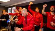 Mechelse bekerfinalisten als helden ontvangen bij terugkeer in stadion, waarna ze zich zelf achter tap zetten