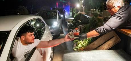 Primeur voor de regio: Spijkenisser hotel houdt aardbeiendrive-in