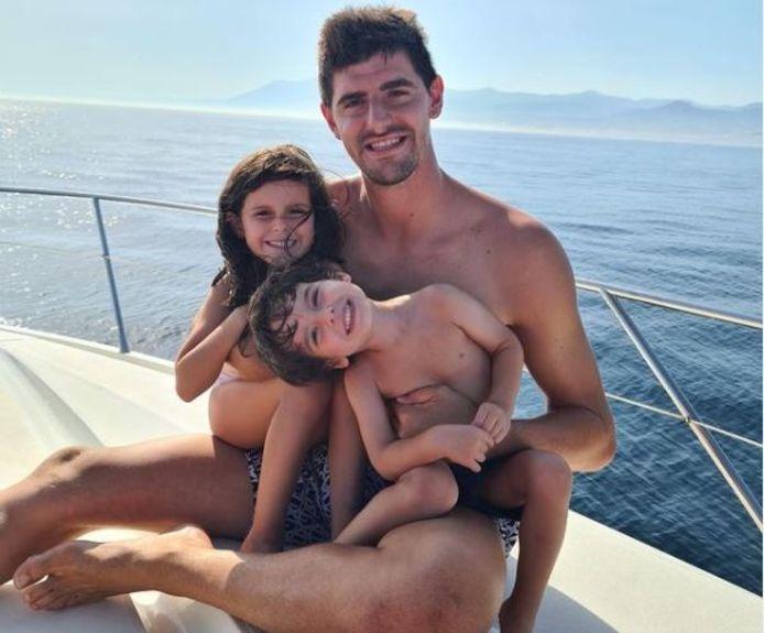 Courtois met dochtertje Adriana (6) en zoontje Nicolàs (3).