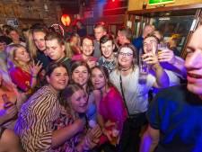 Iedereen 'gevaccineerd' met shotjes rode wodkabij feestcafé in Drunen