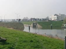 Hoogwater Oss: sluis dicht en geen recreatie