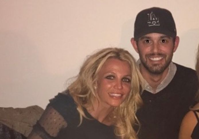 Britney Spears en haar manager Cade Hudson.