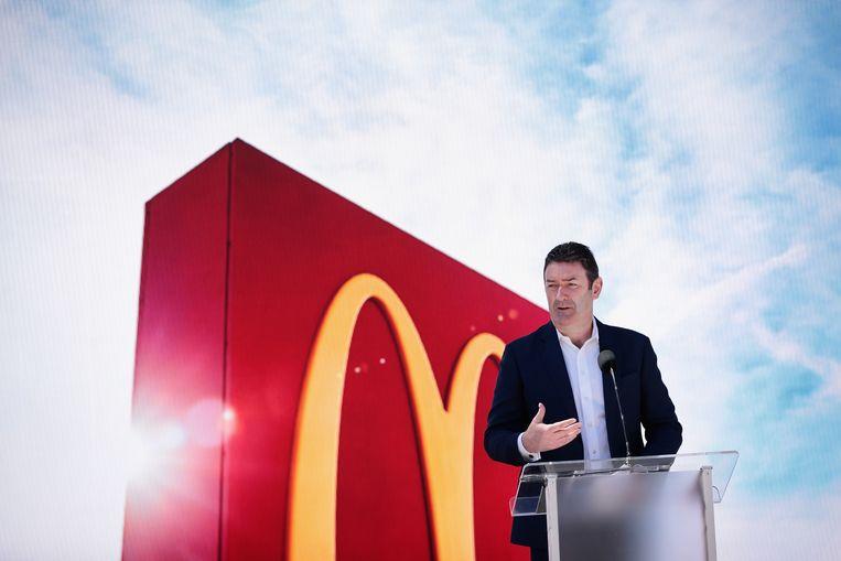 McDonald's-ceo Steve Easterbrook begon een relatie met een medewerker. In strijd met de gedragscode, oordeelde de fastgoodgigant. Beeld null
