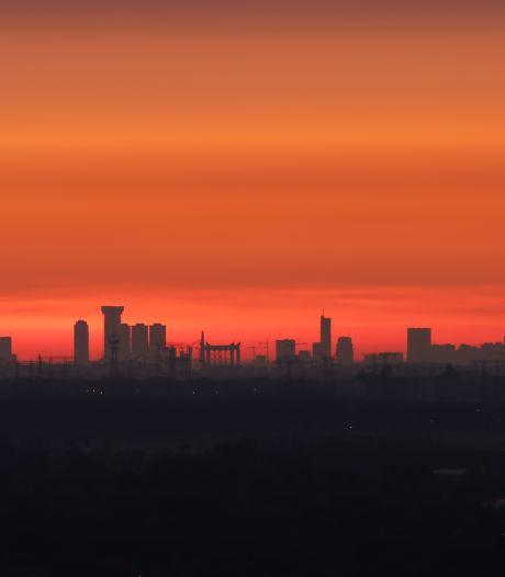De skyline van Rotterdam... die kun je gewoon zien vanuit Tilburg