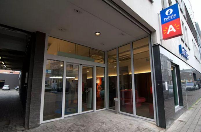 Le bureau de police de la Handelstraat.