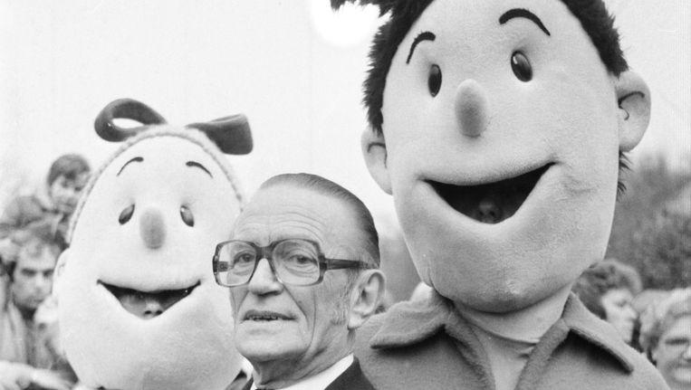 Bedenker Willy Vandersteen met zijn twee geesteskinderen. Beeld BELGA