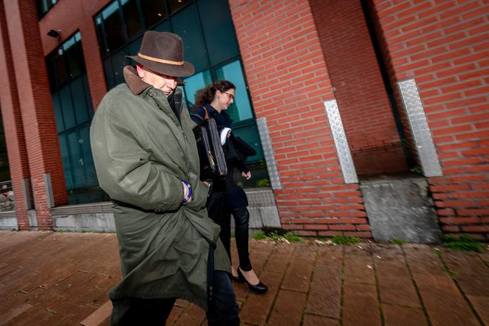 Erik Staal buiten de rechtbank in Rotterdam