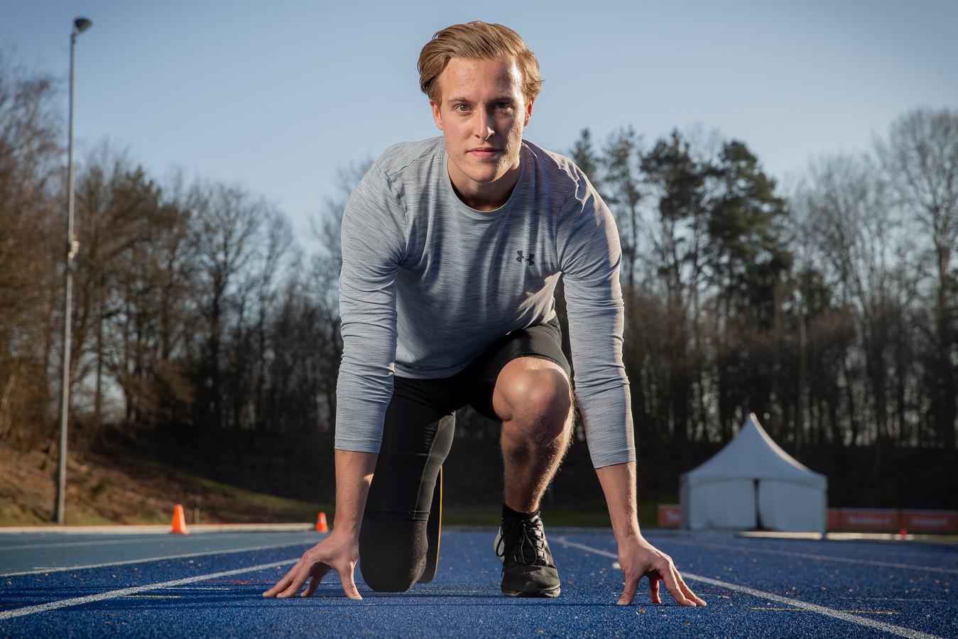 Levi Vloet op zijn trainingsbaan op Papendal.