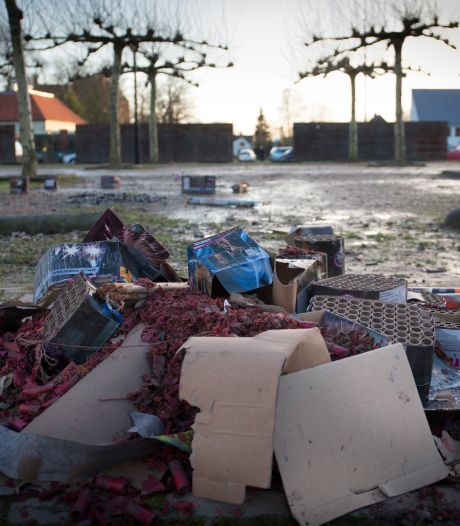 Vuurwerkverbod, maar meer schade jaarwisseling; gemeenten verhalen de schade op de daders