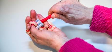 Rijdend stemlokaal in Apeldoorn voor bewoners verzorgingshuizen
