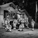De leden van de vrijwilliger brandweer in Hoog Soeren poseerden ook voor 'Mooi Volk'.