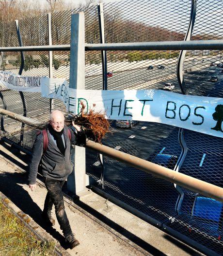 Politieke jongerenorganisaties protesteren met speelgoedauto's tegen A27 bij Amelisweerd