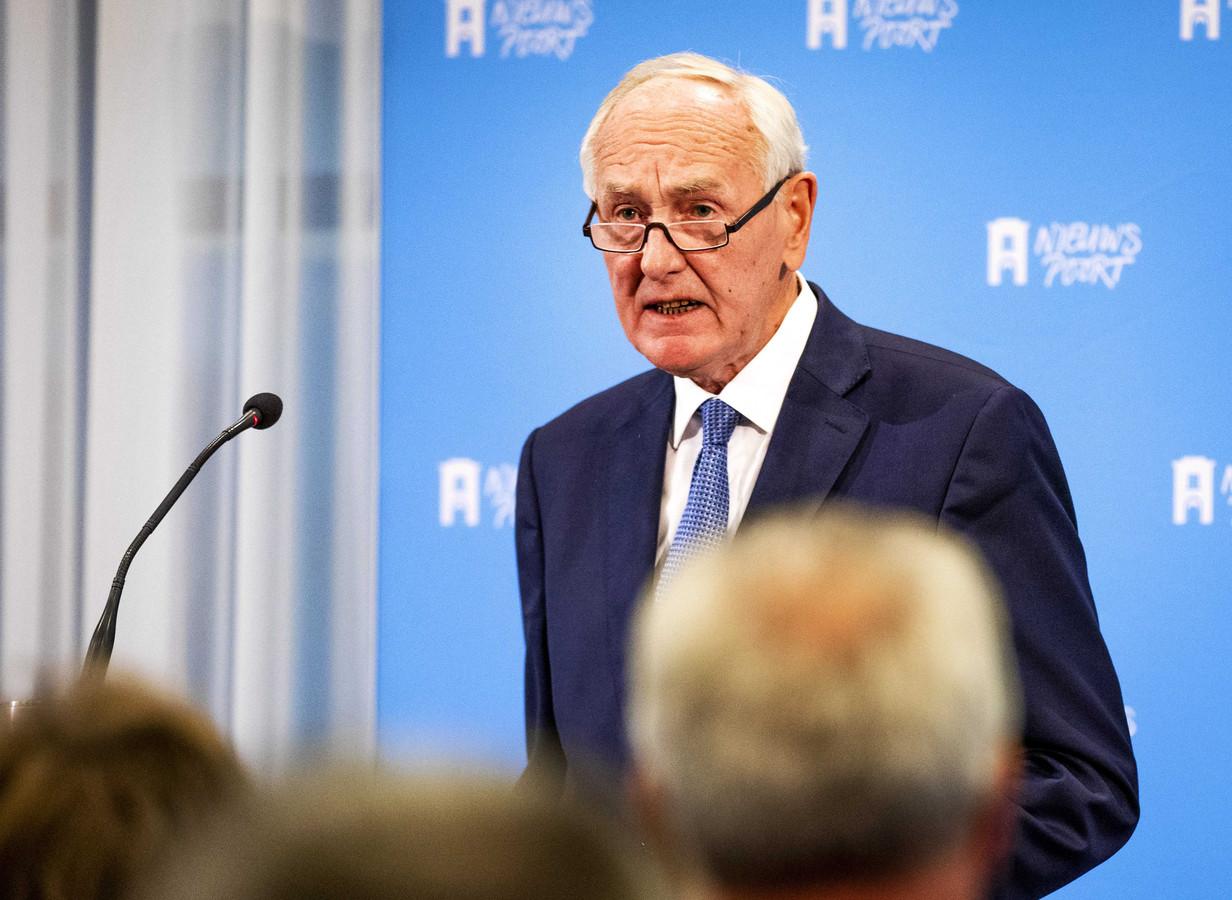 Oud-minister Johan Remkes maakt de beste kans om interim burgemeester van Den Haag te worden.