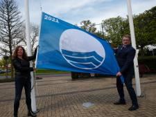 Westvoorne is opgetogen: strand van Rockanje heeft z'n Blauwe Vlag terug